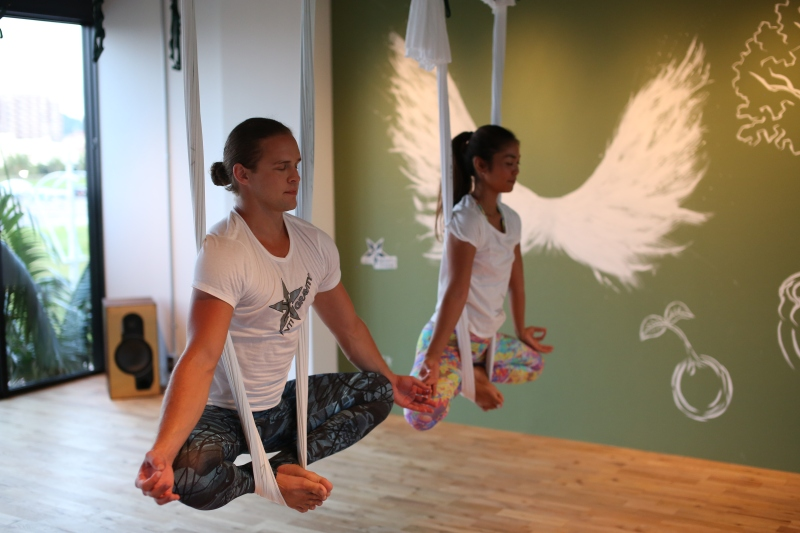 tamer begum master trainer antigravity aerial fitness