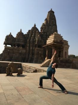 Tamer Begum Yoga - Kahujaro Temples